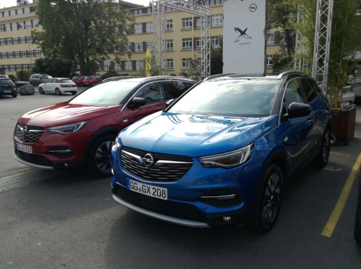 Opel Grandland X: test drive, caratteristiche e prezzi del crossover polivalente - Foto 23 di 25