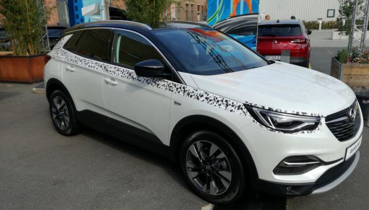 Opel Grandland X: test drive, caratteristiche e prezzi del crossover polivalente - Foto 24 di 25