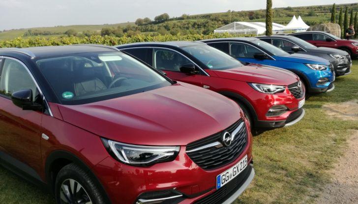 Opel Grandland X: test drive, caratteristiche e prezzi del crossover polivalente - Foto 1 di 25