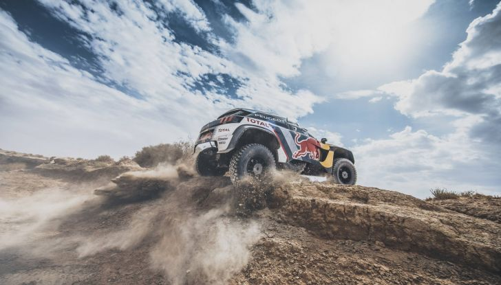 Cyril Despres, veterano dei rally raid, è carico per la Dakar 2018 con Peugeot - Foto  di