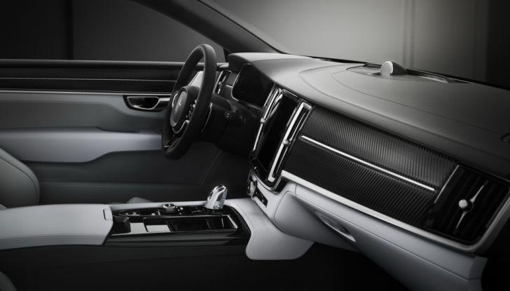Volvo, l'addio al Diesel: dalla S60 2018 niente più auto a gasolio - Foto 9 di 30