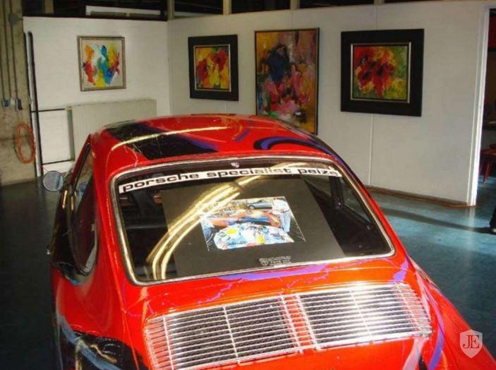 Porsche 911 del 1966 incontra l'arte astratta - Foto 3 di 4