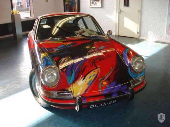 Porsche 911 del 1966 incontra l'arte astratta - Foto 1 di 4