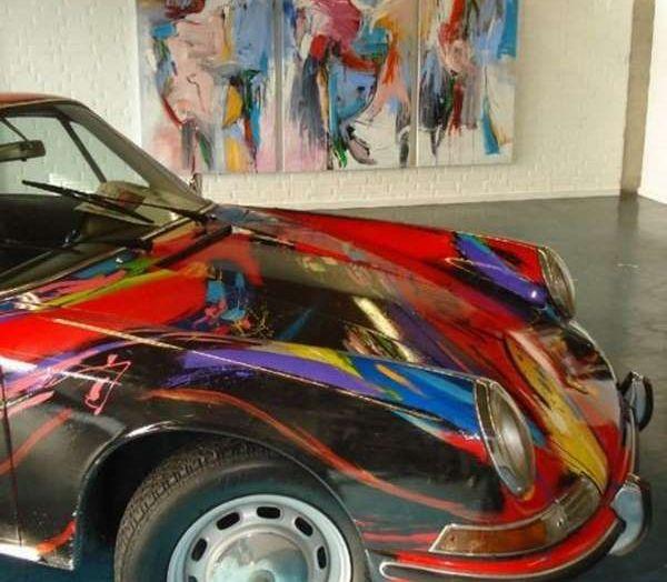 Porsche 911 del 1966 incontra l'arte astratta - Foto 2 di 4