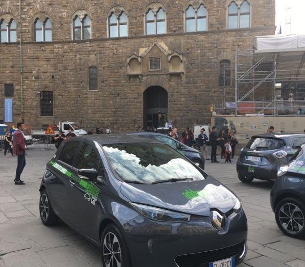 Renault e il Car Sharing 100% elettrico a Firenze - Foto 1 di 16