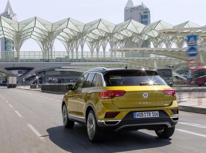 Volkswagen T-Roc 2017: prova su strada, caratteristiche e prestazioni - Foto 15 di 39