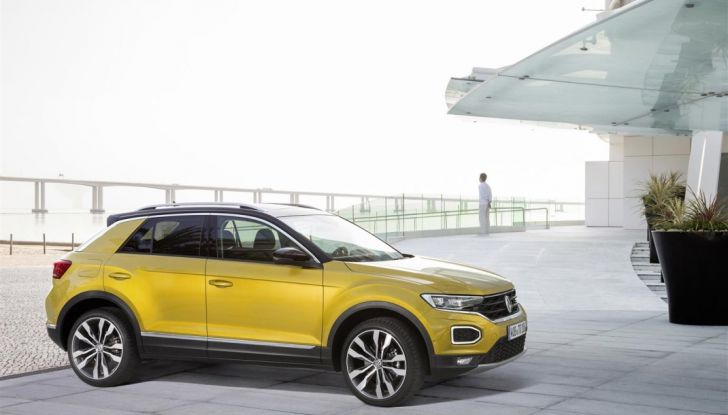 Volkswagen T-Roc 2017: prova su strada, caratteristiche e prestazioni - Foto 16 di 39
