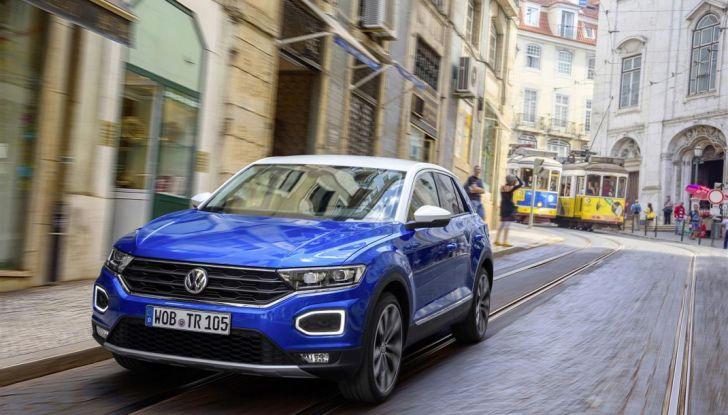 Volkswagen T-Roc 2017: prova su strada, caratteristiche e prestazioni - Foto 4 di 39
