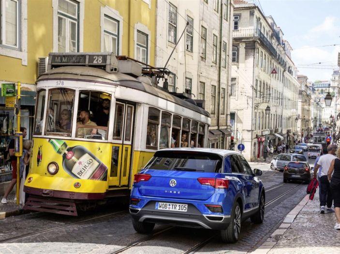 Volkswagen T-Roc 2017: prova su strada, caratteristiche e prestazioni - Foto 5 di 39
