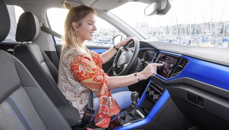 Volkswagen T-Roc 2017: prova su strada, caratteristiche e prestazioni - Foto 34 di 39