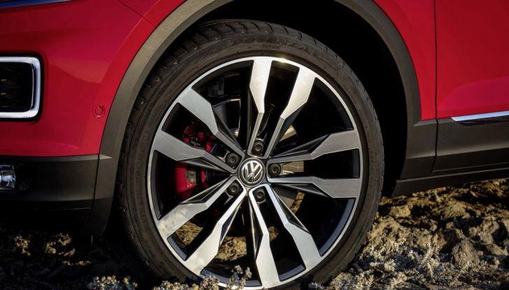 Volkswagen T-Roc 2017: prova su strada, caratteristiche e prestazioni - Foto 18 di 39