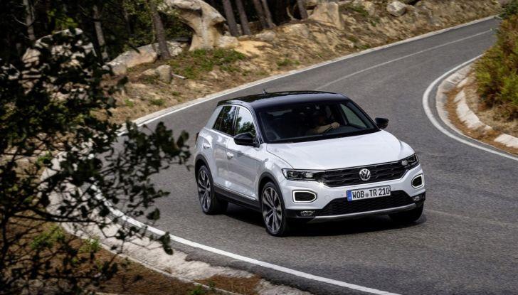 Volkswagen T-Roc 2017: prova su strada, caratteristiche e prestazioni - Foto 7 di 39