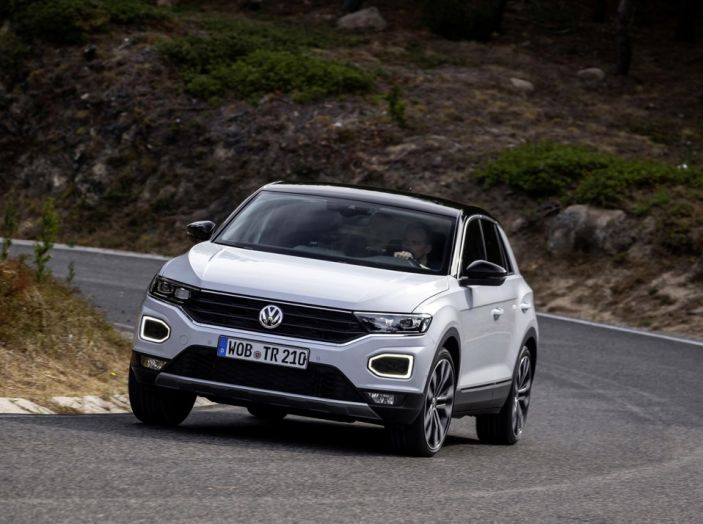 Volkswagen T-Roc 2017: prova su strada, caratteristiche e prestazioni - Foto 21 di 39