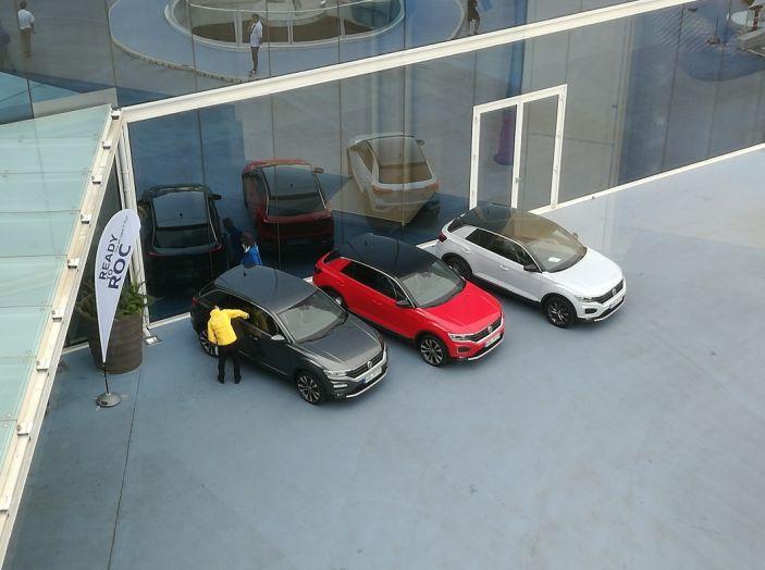 Volkswagen T-Roc 2017: prova su strada, caratteristiche e prestazioni - Foto 35 di 39