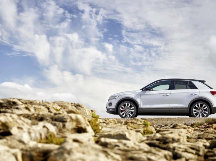 Volkswagen T-Roc e la nuova campagna social con Winnie Harlow - Foto 26 di 39