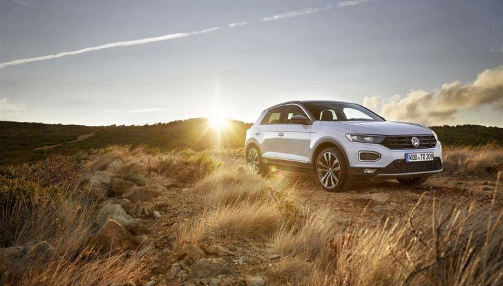 Volkswagen T-Roc 2017: prova su strada, caratteristiche e prestazioni - Foto 27 di 39
