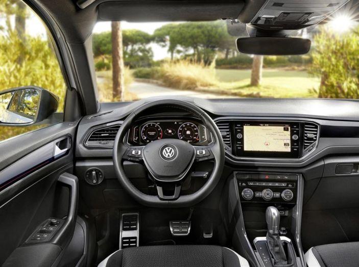 Volkswagen T-Roc 2017: prova su strada, caratteristiche e prestazioni - Foto 29 di 39