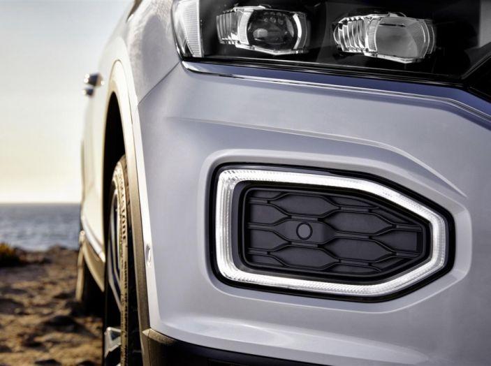 Volkswagen T-Roc 2017: prova su strada, caratteristiche e prestazioni - Foto 32 di 39