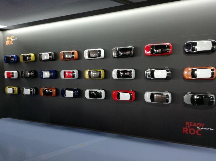 Volkswagen T-Roc e la nuova campagna social con Winnie Harlow - Foto 37 di 39
