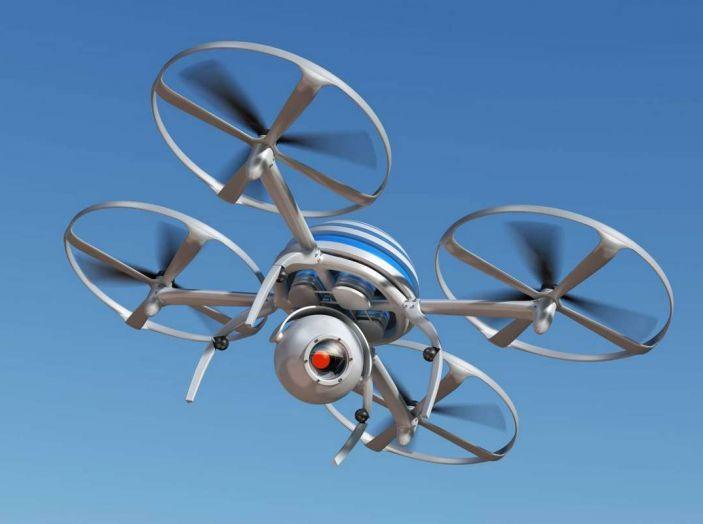 I droni Amazon ora caricano le auto elettriche in movimento - Foto 4 di 13