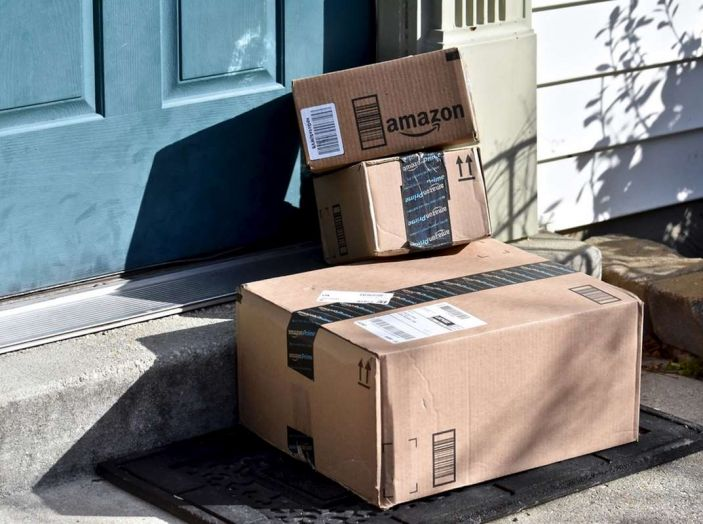I droni Amazon ora caricano le auto elettriche in movimento - Foto 9 di 13