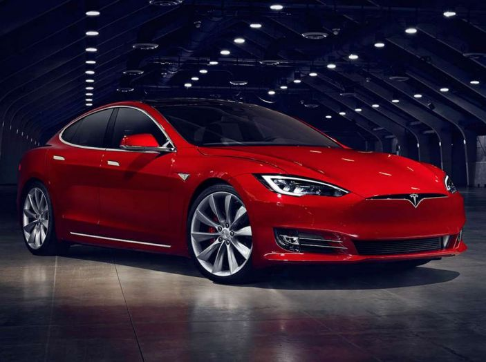 10 motivi per non comprare un'auto elettrica - Foto 1 di 15