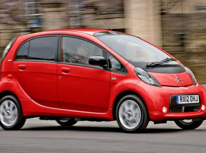 10 motivi per non comprare un'auto elettrica - Foto 7 di 15