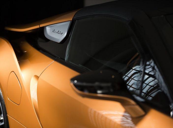 BMW i8 Roadster 2018: Caratteristiche, prezzi e prestazioni - Foto 9 di 38