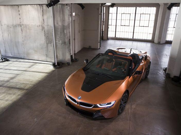 BMW i8 Roadster 2018: Caratteristiche, prezzi e prestazioni - Foto 18 di 38