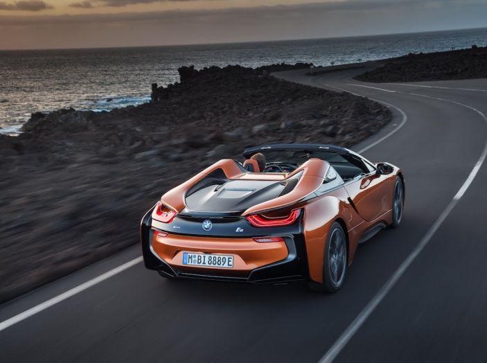 BMW i8 Roadster 2018: Caratteristiche, prezzi e prestazioni - Foto 21 di 38