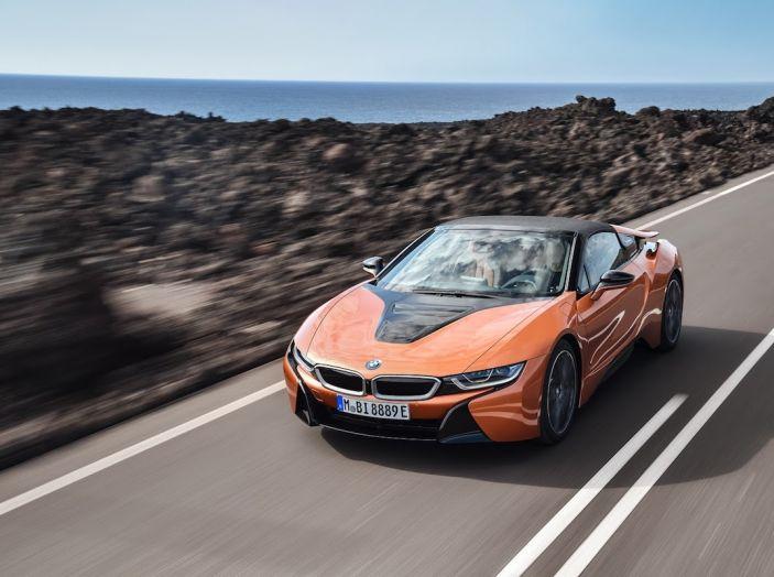 BMW i8 Roadster 2018: Caratteristiche, prezzi e prestazioni - Foto 22 di 38