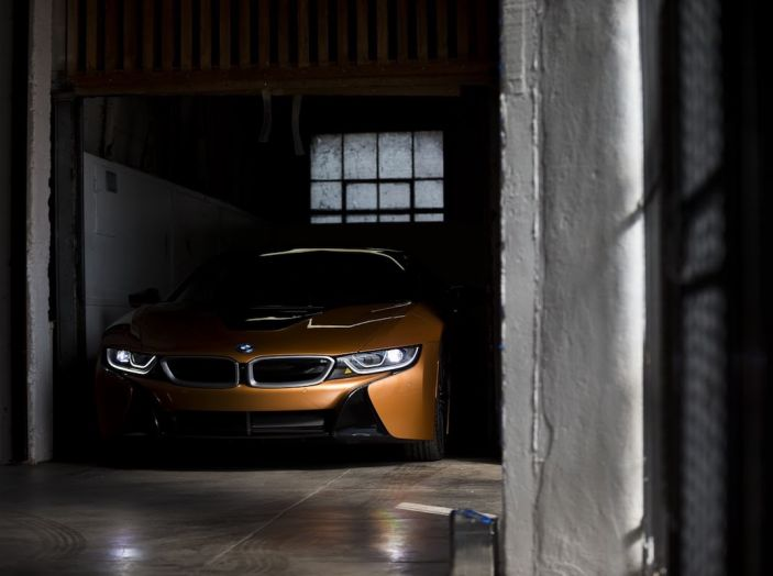 BMW i8 Roadster 2018: Caratteristiche, prezzi e prestazioni - Foto 10 di 38