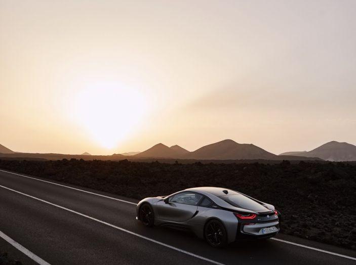 BMW i8 Roadster 2018: Caratteristiche, prezzi e prestazioni - Foto 23 di 38