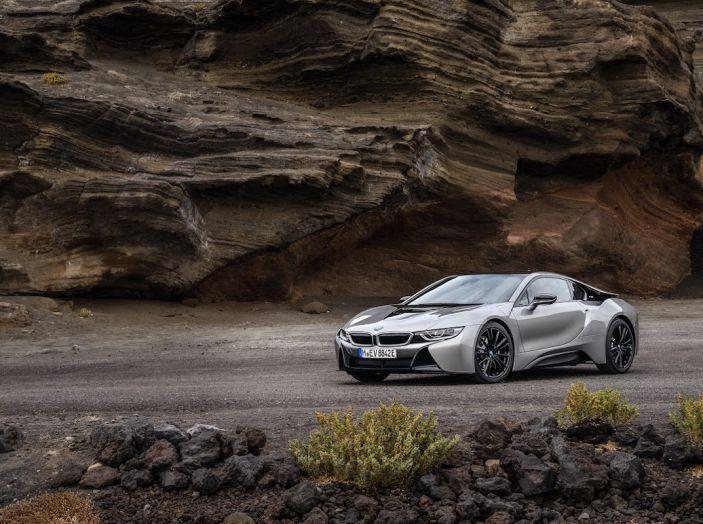 BMW i8 Roadster 2018: Caratteristiche, prezzi e prestazioni - Foto 27 di 38