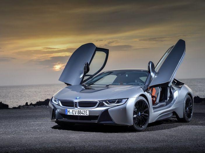 BMW i8 Roadster 2018: Caratteristiche, prezzi e prestazioni - Foto 28 di 38