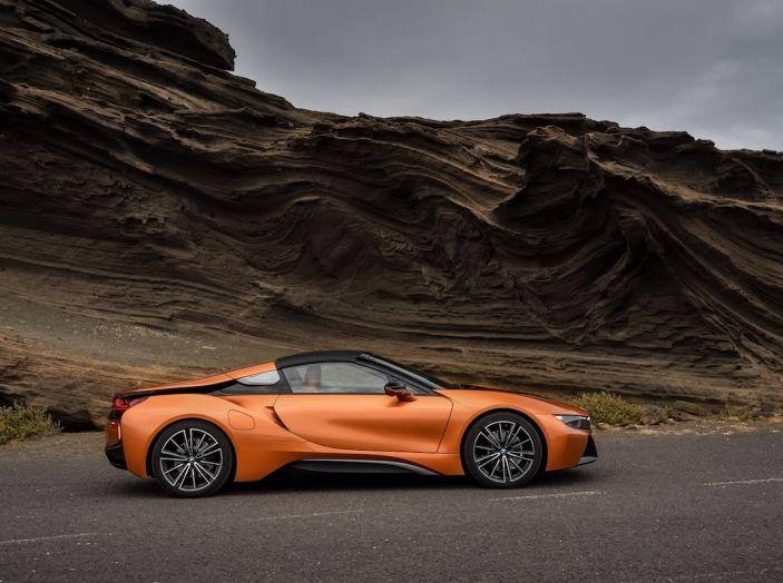 BMW i8 Roadster 2018: Caratteristiche, prezzi e prestazioni - Foto 29 di 38