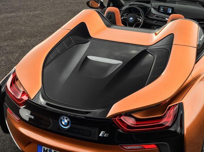 BMW i8 Roadster 2018: Caratteristiche, prezzi e prestazioni - Foto 30 di 38