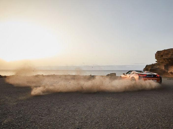 BMW i8 Roadster 2018: Caratteristiche, prezzi e prestazioni - Foto 31 di 38