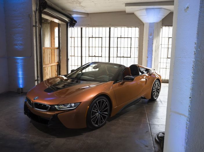 BMW i8 Roadster 2018: Caratteristiche, prezzi e prestazioni - Foto 11 di 38