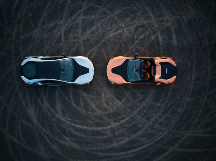 BMW i8 Roadster 2018: Caratteristiche, prezzi e prestazioni - Foto 33 di 38