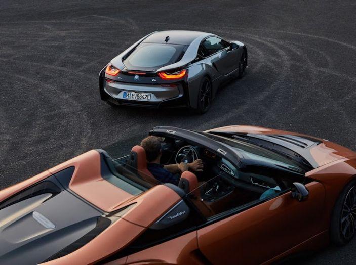 BMW i8 Roadster 2018: Caratteristiche, prezzi e prestazioni - Foto 4 di 38
