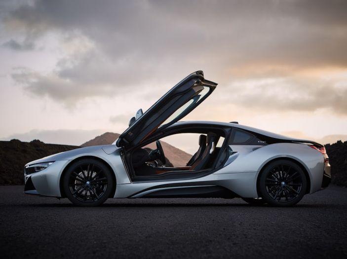 BMW i8 Roadster 2018: Caratteristiche, prezzi e prestazioni - Foto 37 di 38