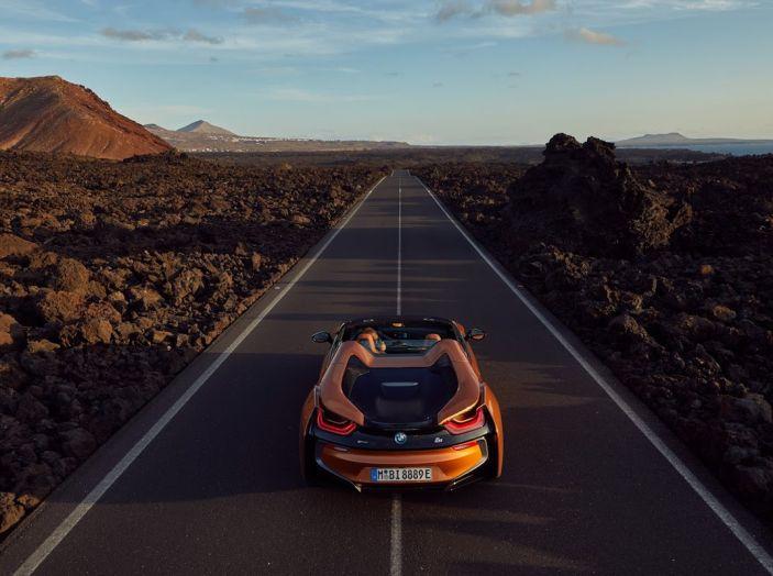 BMW i8 Roadster 2018: Caratteristiche, prezzi e prestazioni - Foto 3 di 38