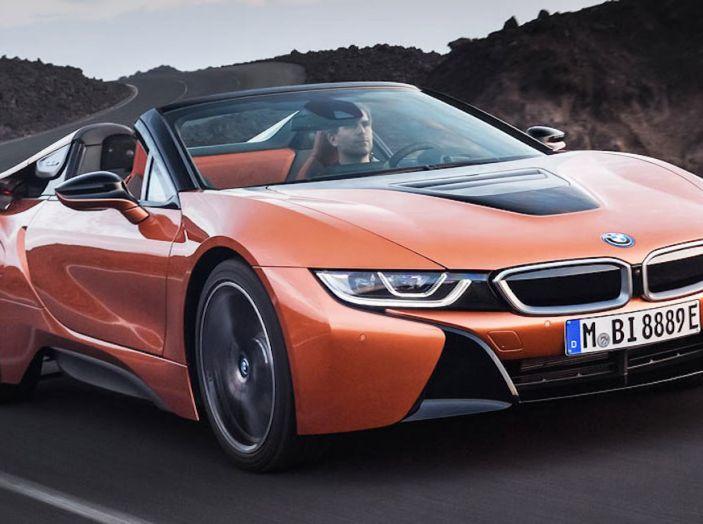 BMW i8 Roadster 2018: Caratteristiche, prezzi e prestazioni - Foto 2 di 38
