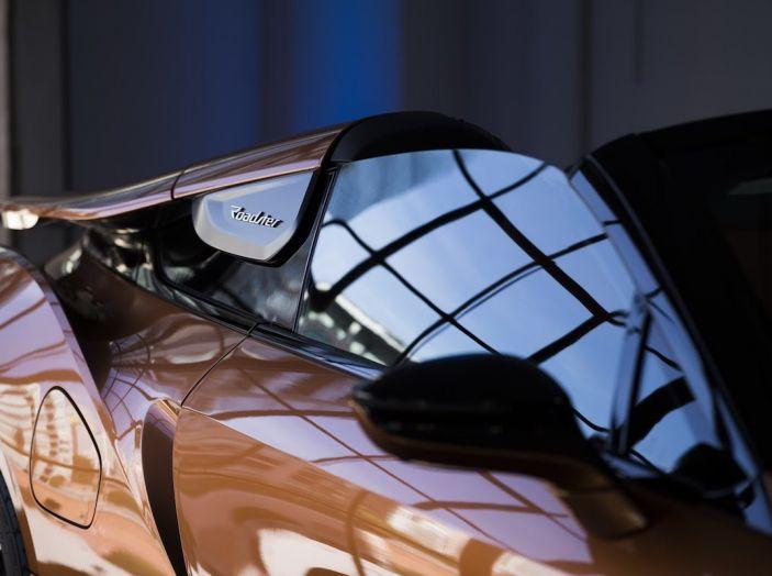 BMW i8 Roadster 2018: Caratteristiche, prezzi e prestazioni - Foto 12 di 38