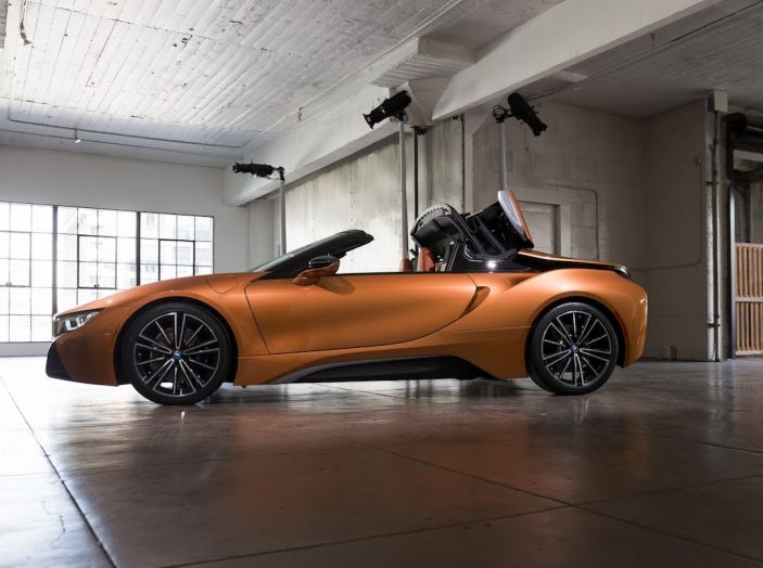 BMW i8 Roadster 2018: Caratteristiche, prezzi e prestazioni - Foto 14 di 38