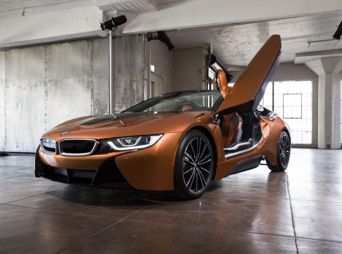 BMW i8 Roadster 2018: Caratteristiche, prezzi e prestazioni - Foto 15 di 38