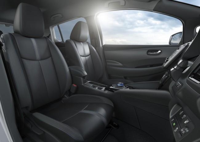 La vettura 100% elettrica premiata dal CES Unveiled — Nuova Nissan LEAF