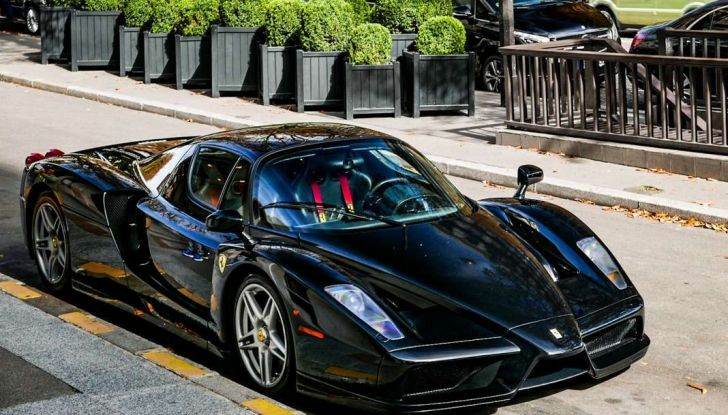 Metà moto, metà Ferrari Enzo: il risultato è un disastro - Foto 10 di 10
