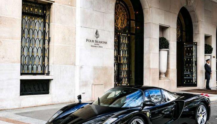 Metà moto, metà Ferrari Enzo: il risultato è un disastro - Foto 4 di 10